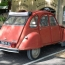 2CV in rot (Lourmarin)